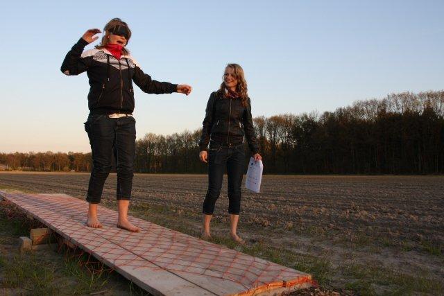 Dagje hollandse activiteiten zoals solex rijden, oud hollandse spellen en Blote Voetenpad Tocht.